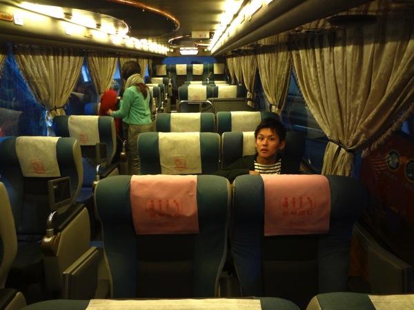 台湾のバス車内
